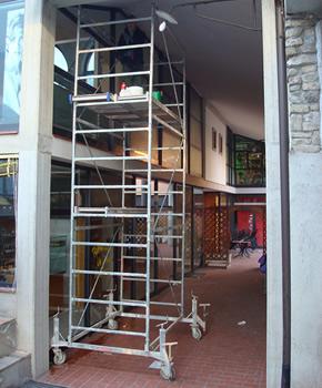 Pulizia vetri e vetrate in altezza