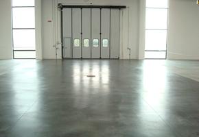 Pulizia pavimenti garage