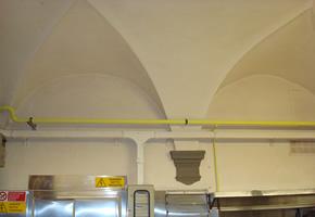 Tinteggiatura soffitto ristorante